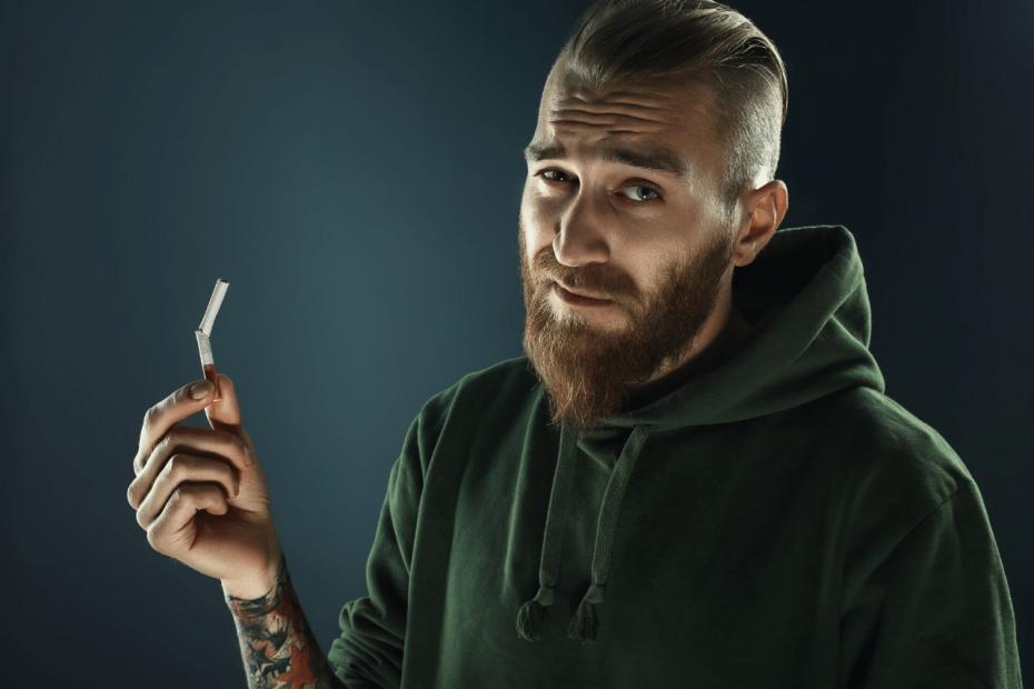 Haarausfall durch Rauchen Was macht Nikotin mit den Haaren